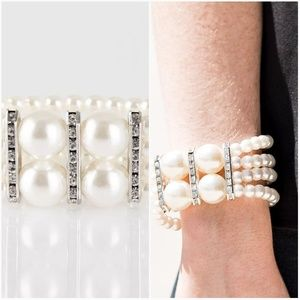 ROMANCE REMIX WHITE STRETCHY BRACELET SET